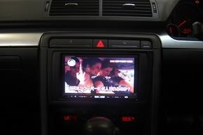 AUDI RS6アヴァント 地デジチューナー バックカメラ取り付け
