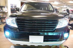 200系後期ランドクルーザー タイヤハウスLED装飾 外装HID 内装フルLED エアサスコントローラー取り付け