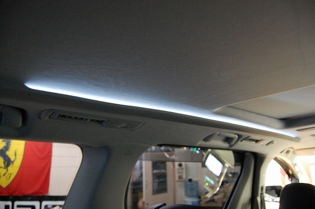 カスタムギャラリー:内装LED間接照明ホワイトアンビエントライト トヨタ ヴェルファイア FOGHID