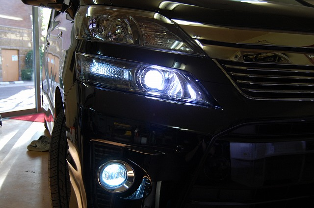 内装LED間接照明ホワイトアンビエントライト トヨタ ヴェルファイア FOGHID|カスタム、ドレスアップ事例紹介