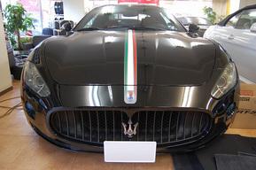 マセラティ グランツーリズモ トリコロールカラー ステッカー施工