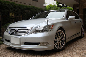 LEXUS LS460 WALD EXECUTIVE LINE version 2 取り付け