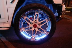 HUMMER H2 タイヤハウスLED装飾カスタム