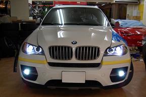 BMW X6 E72ハイブリッド 平行車に国内カーナビ加工取り付け フォグランプHID