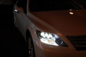 ホワイトLEDポジション付き 後期ルックウインカーミラーカバー ドア下LEDエンブレム レクサスLS600h