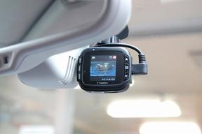 ドライブレコーダー取付 アウディ S8 AUDI