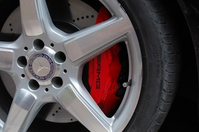 ベンツ W218 シューティングブレーク キャリパー塗装 カスタム