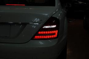 ベンツW221後期S400ハイブリッド LEDバックランプバルブ カスタム キャリパー塗装