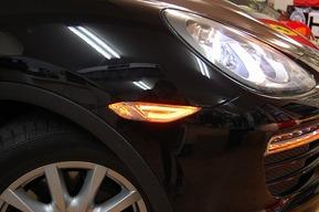 ポルシェカイエン958 LEDサイドマーカー FOGランプHIDキット取り付け カスタム