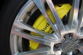 アウディ A8 キャリパー塗装カスタム AUDI