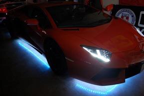 LEDカスタム ランボルギーニ アヴェンタドール LP700-4 RGB LEDテープ リモコン変化LED