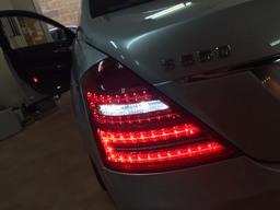 純正同点灯後期ルックテール LEDバックランプ追加カスタム ベンツW221前期